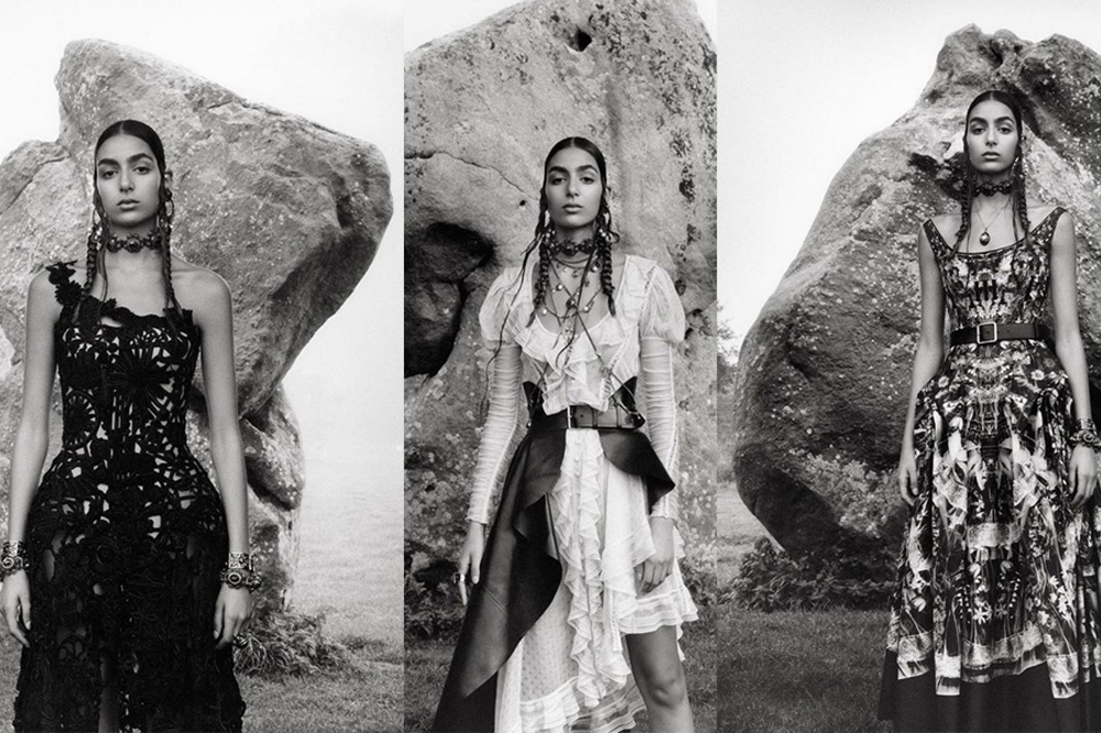 Photo de Moroccan-British model Nora Attal is the new face of Alexander McQueen's recent collection