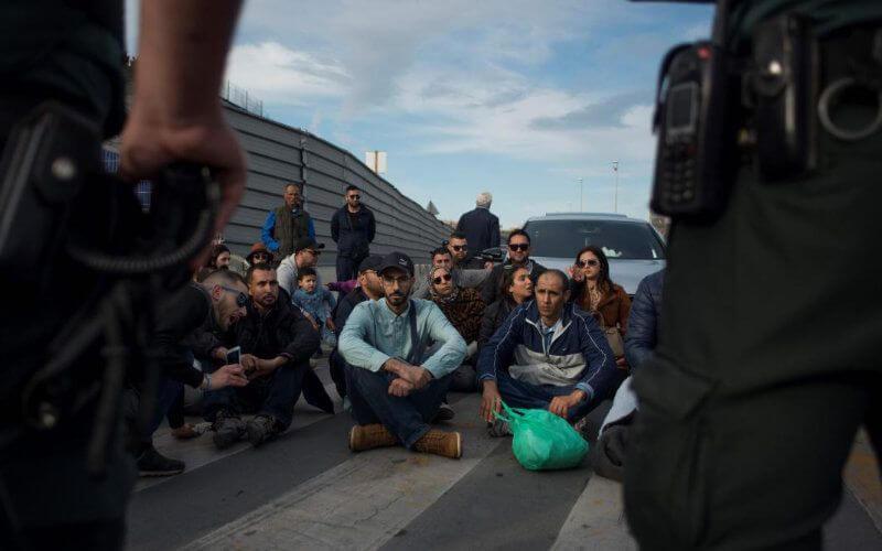 La situation des Belges détenteurs d'une double nationalité belge et marocaine bloqués au Maroc préoccupe Ecolo et PS. Ces partis appellent le gouvernement fédéral à œuvrer pour leur rapatriement.