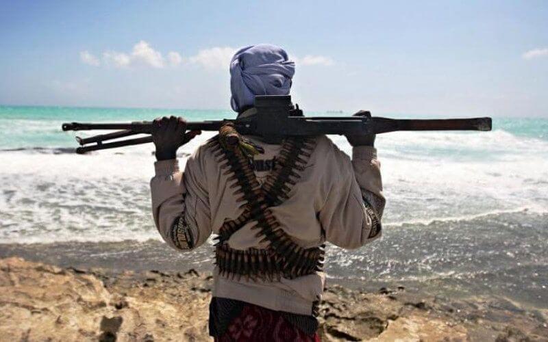 Un navire marocain de transport de marchandises et de voyageurs, du nom de Eloby 6, opérant sous pavillon guinéen, a été attaqué samedi dernier par des pirates au large de la Guinée équatoriale.